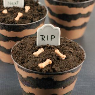 Graveyard Dirt cake Cups