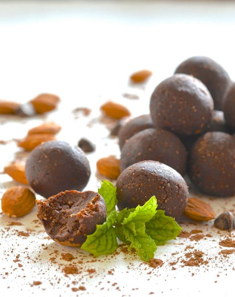 Mint Chocolate Truffle Larabar Bites