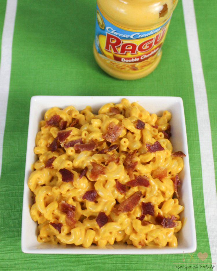 Bacon macaroni and cheese with Ragu Double Cheddar Sauce